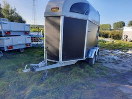 horse car trailer