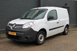 closed lcv Renault 1.5 dCi 90PK - Airco - Cruise - PDC - € 7.400,- Ex. 2016