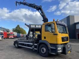 container truck MAN Tgm 18.250 Hiab 111E3 hiduo + multilift XR 2010