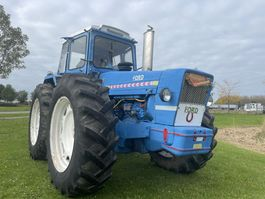 farm tractor Ford Ford county 1164 1972