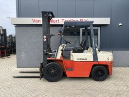 forklift Nissan WF03A35U Heftruck Nissan WF03A35U Mono 187cm Diesel bouwjaar 2000 2000