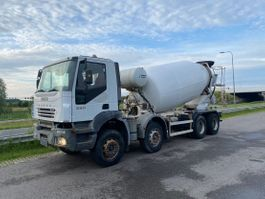 camion betoniera Iveco Trakker 380 8x4 Chassis 2006