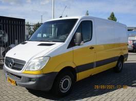 closed lcv Mercedes-Benz 318 3.0 CDI 366 2008